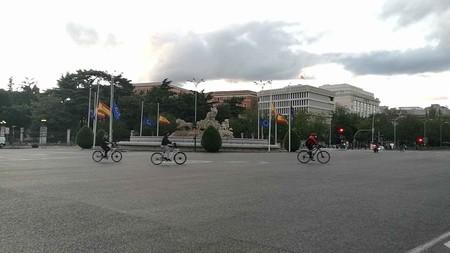 La seguridad vial en las bicicletas y los patinetes eléctricos es una asignatura pendiente para la DGT