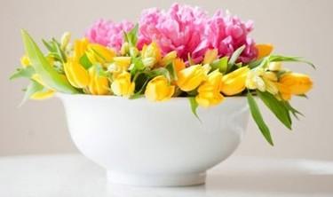 Hazlo tú mismo: un arreglo floral en cuatro pasos