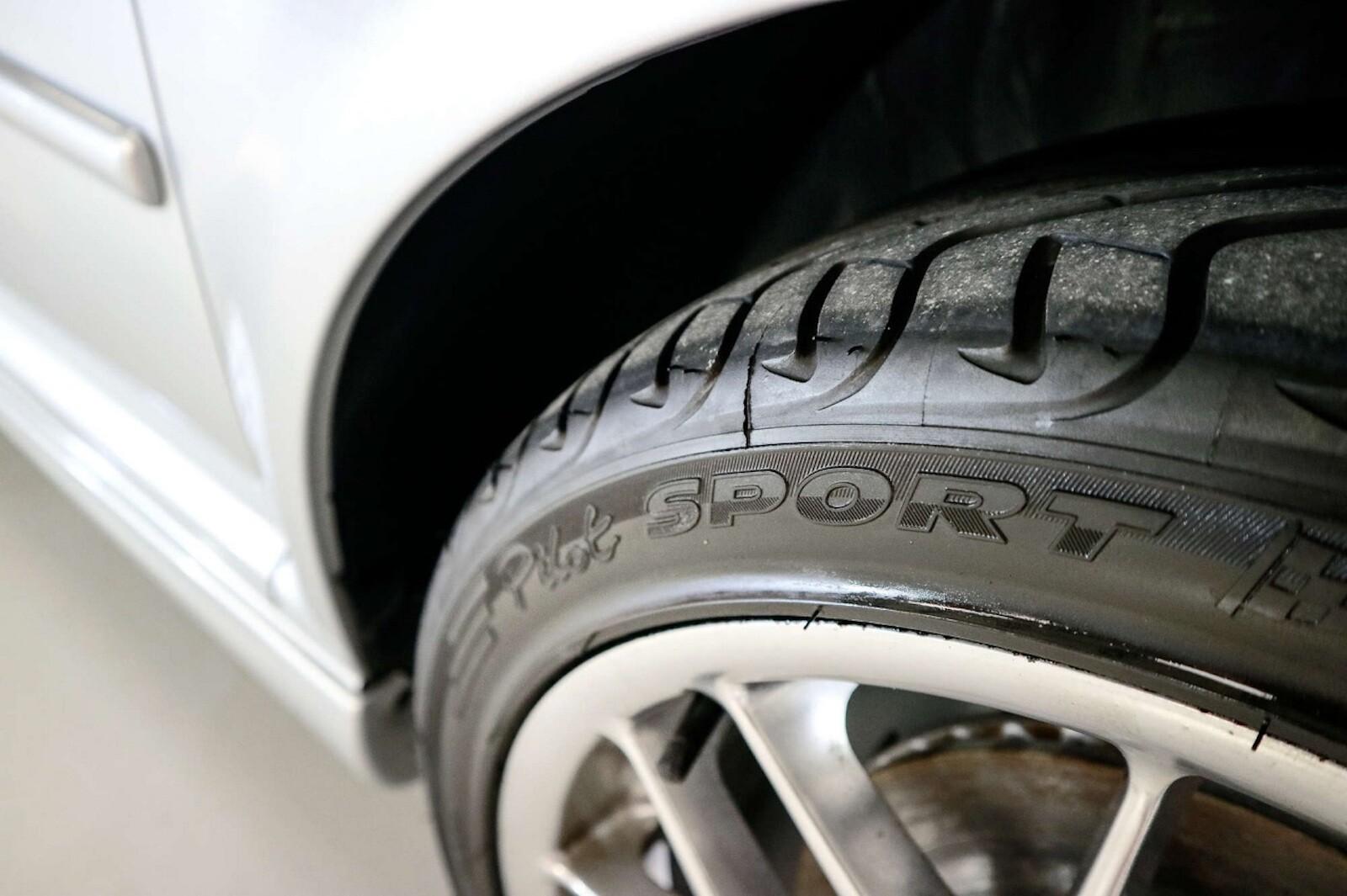 Foto de Volkswagen GTI MK4 25 aniversario a subasta (9/20)