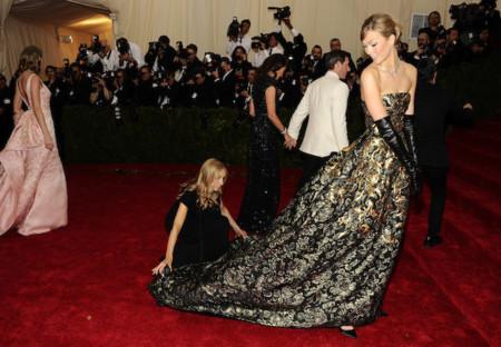 Karlie Kloss Oscar de la Renta MET Gala 2014
