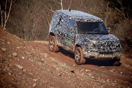 Land Rover Defender 2020 25