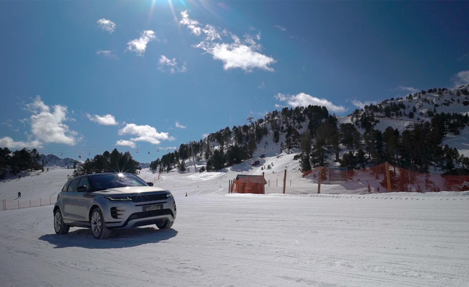 Foto de Curso de conducción en nieve de Jaguar Land Rover (4/28)