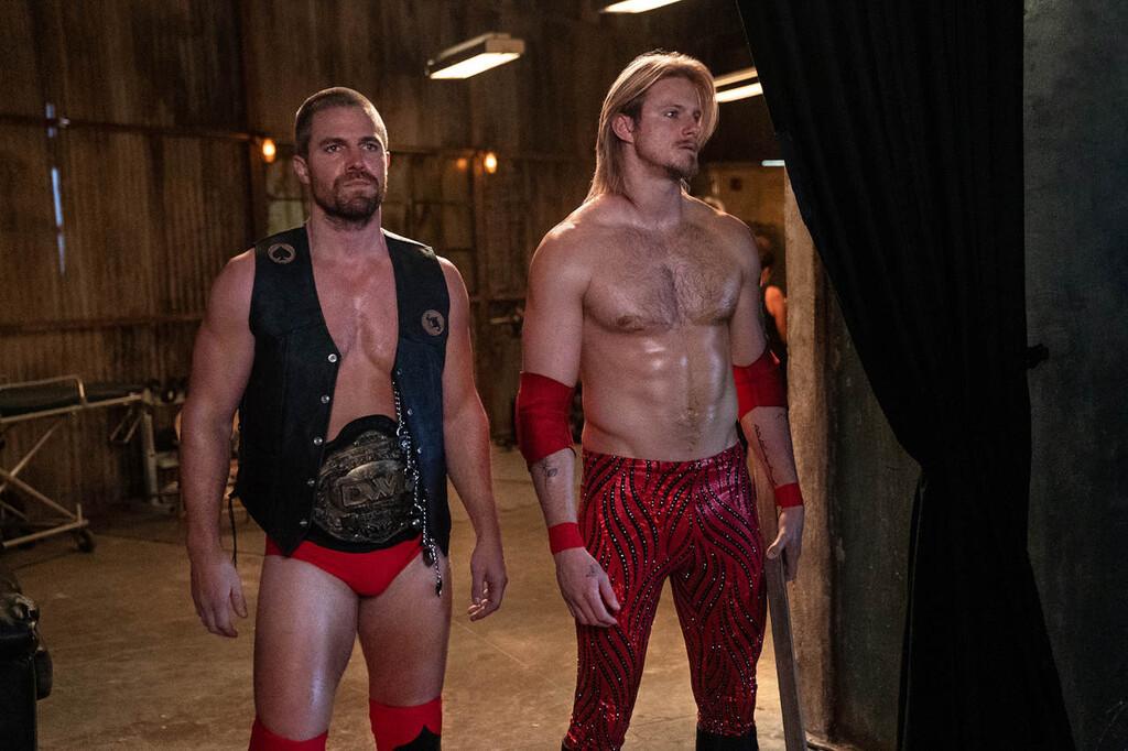 Tráiler y fecha de estreno de 'Heels': Stephen Amell cambia las flechas por la lucha libre en la nueva serie de Starzplay