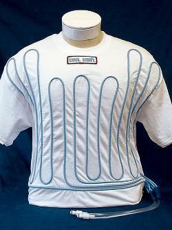Camiseta con refrigeración líquida