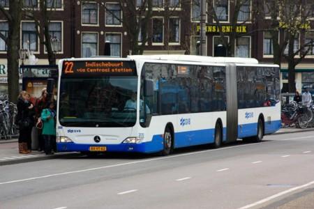 Todos los autobuses públicos de Ámsterdam serán eléctricos en 2025
