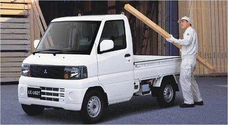 Una furgoneta, el tercer eléctrico de Mitsubishi