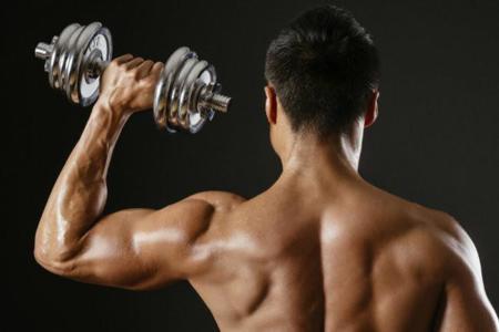 Los mejores ejercicios para lograr un completo trabajo de hombros