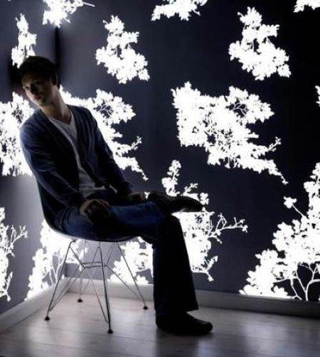 Papel pintado con iluminación propia para tu pared