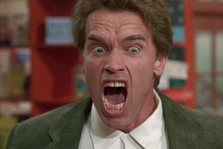 """""""Que le jodan a tu libertad, eres idiota si no te pones la mascarilla"""". Arnold Schwarzenegger"""
