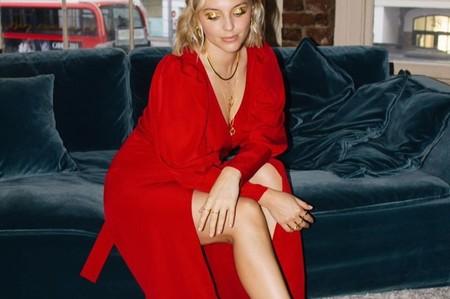 Nueve vestidos rojos que harán de tu look de invitada el más cotizado de toda la fiesta