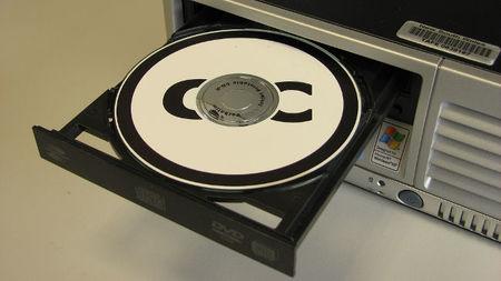 ¿Por qué siguen incluyendo las lectoras de CD/DVD los nuevos equipos que compramos?