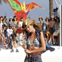 Foto 20 de 24 de la galería desigual-ha-sido-la-firma-encargada-de-inaugurar-la-primera-edicion-de-la-pasarela-mercedes-benz-fashion-week-ibiza en Trendencias