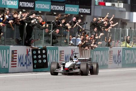 Raikkonen Malasia F1 2003