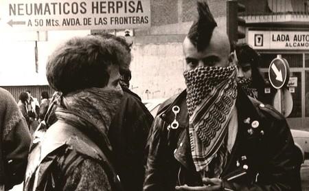 'Lo que hicimos fue secreto': el documental sobre el punk en Madrid que replantea los tópicos del rock, los okupas y la Movida