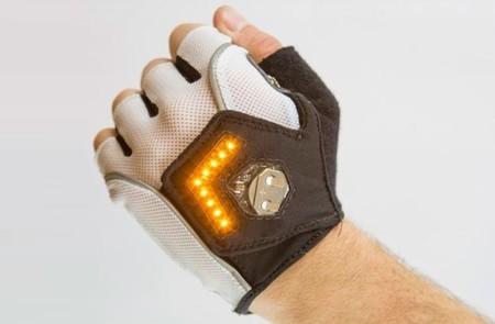 Nuevos detalles de Zackees  la iluminación para ciclistas urbanos está en  los guantes befda220a36