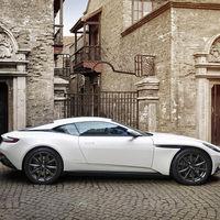 Aston Martin confirma un futuro DB11 AMR, no sabemos si por error o deliberadamente