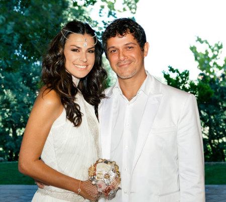 Alejandro-Sanz-y-Raquel-Perea-el-día-de-su-boda