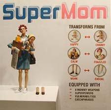 SuperMom, una muñeca muy real