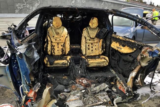 Tesla patenta nuevas formas de hacer las baterías de sus coches más seguras en caso de incendio