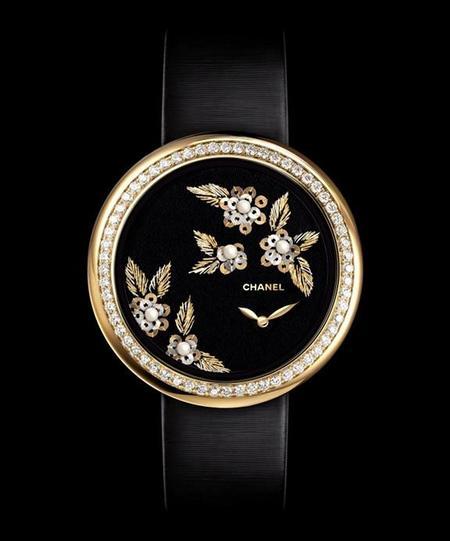 Camélia Brodé, los nuevos relojes Chanel pertencientes a la colección Mademoiselle Privé