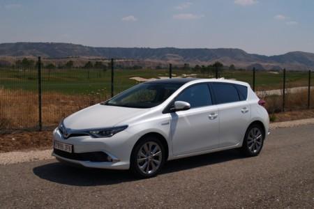 Probamos el Toyota Auris 2015 hybrid: interior y equipamiento