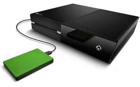 Microsoft lanzará su propio disco duro externo de 2 TB para Xbox. Y un chatpad [GC 2015]