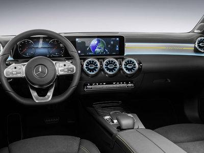 El Mercedes-Benz Clase A 2018 estrena un interior digital y de aspecto más premium