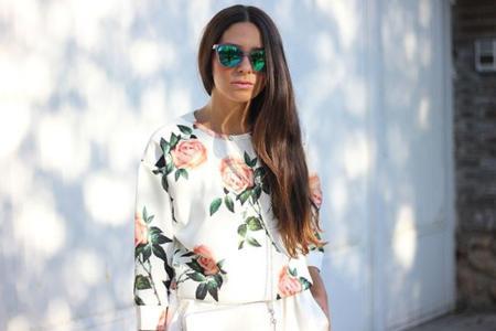 1_roses_sweatshirt_front_-row-_shop.jpg