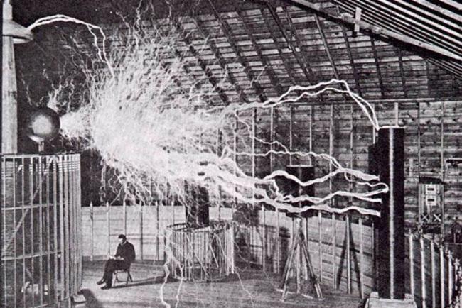 Como fabricar una mini bobina de Tesla facil.