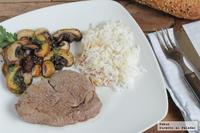 Solomillo de ternera con setas y arroz salteado