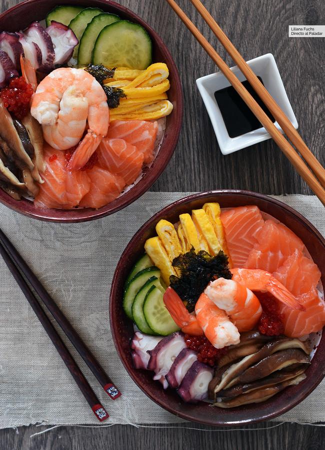 Cómo hacer chirashi sushi o chirashizushi: receta japonesa fácil y saludable