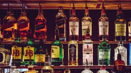 Beber con tu pareja propicia que te lleves mejor con ella (pero es mejor que ninguno de los dos beba)