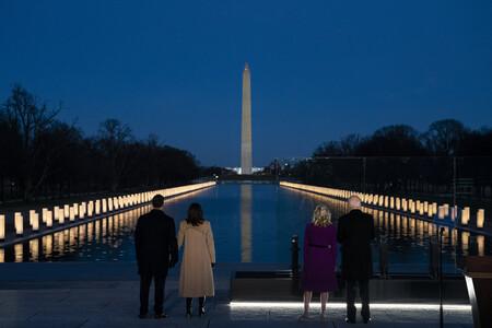 Los abrigos de Kamala Harris y Jill Biden en el homenaje a las víctimas del Covid-19 tienen un mensaje escondido y precioso detrás