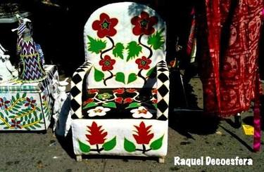 Hemos visto... una silla tapizada con abalorios