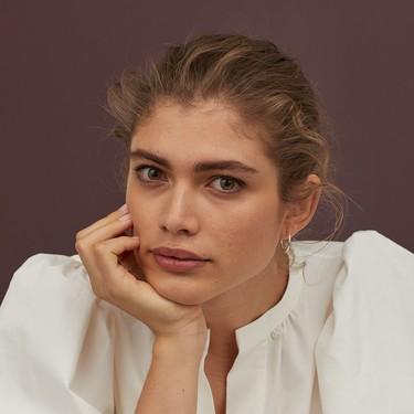 H&M nos propone dos recogidos perfectos para estar en casa y solo necesitarás un scrunchie para conseguirlos