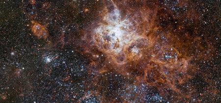 Una asombrosa nebulosa, desnudos bajo el agua, macrofotografía vintage y más en: Galaxia Xataka Foto