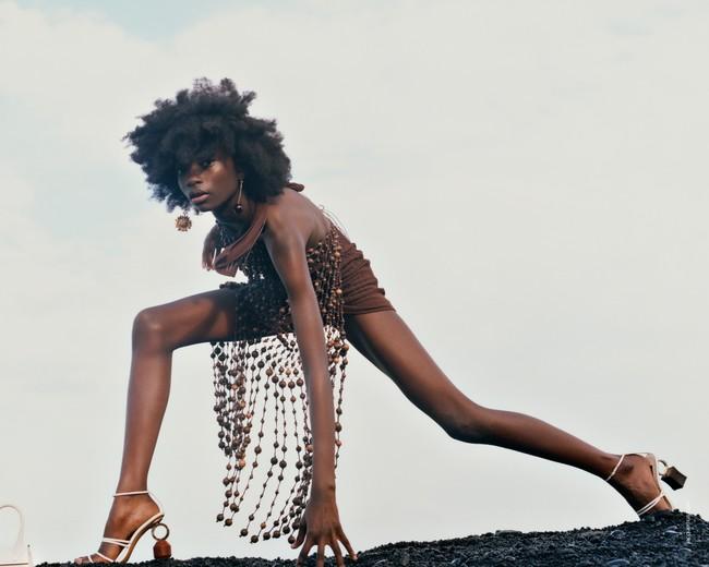 Clonados y pillados: el vestido de abalorios de Jacquemus que apareció en versión top (en Zara)