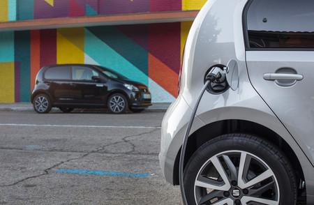 Nueve coches eléctricos hasta 30.000 euros: selección de coches cero emisiones con etiqueta CERO