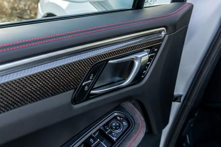 Porsche Macan GTS 2020 molduras interiores