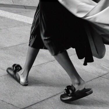 Clonados y pillados: Zara se inspira en los zuecos más famosos de J.W. Anderson