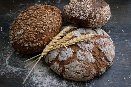 Pan integral y pan blanco: las diferencias nutricionales entre ambos, y cómo escoger un pan de buena calidad