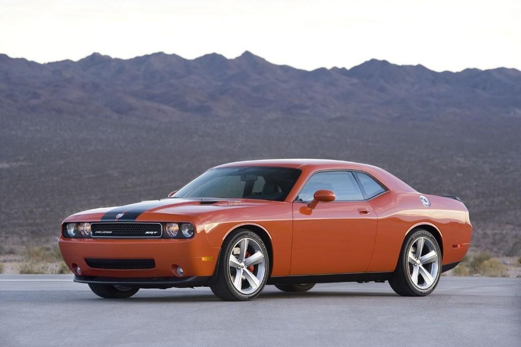 Foto de Dodge Challenger SRT8 (10/103)