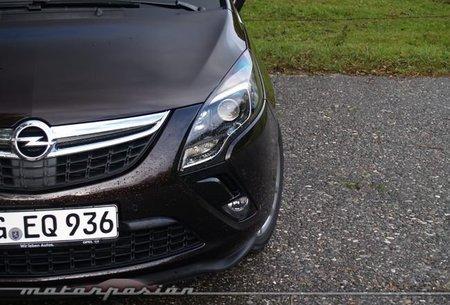 Opel-Zafira-Tourer-02