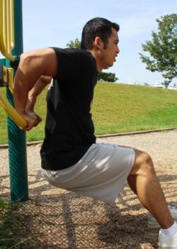 Brazos grandes entrenando los tríceps