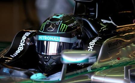 Nico Rosberg marca el mejor tiempo en una primera sesión de entrenamientos libres salpicada por la lluvia