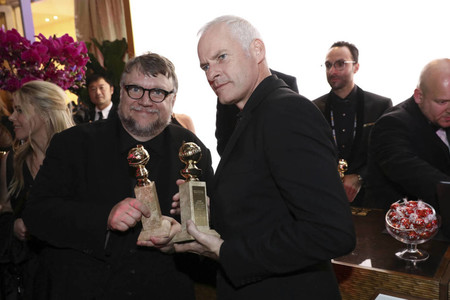 Guillemo del Toro y Martin McDonagh con sus Globos