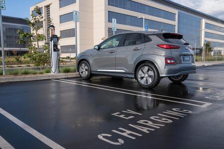 coche eléctrico estudio uc davis una de cada cinco vuelve al coche gasolina