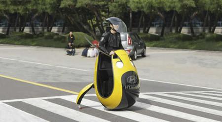 El Hyundai E4U se presenta junto a otros sistemas de movilidad personal