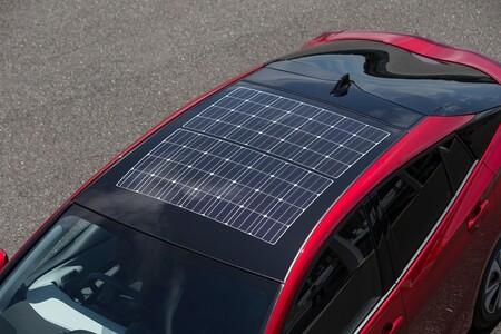 Así funciona la tecnología solar que incorpora el nuevo Toyota Prius Plug-in Hybrid