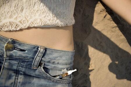 El consumo de tabaco se estabiliza entre los adolescentes españoles, pero sube peligrosamente el uso y abuso de internet